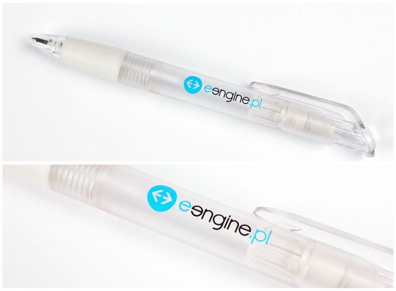 Tampodruk na długopisach plastikowych