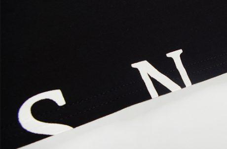 Bedrucktes T-Shirts SNAYS